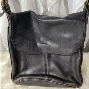 Coach vintage large black bag needs some tlc